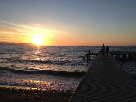 Art Beach Hotel: iskelede gün batımı