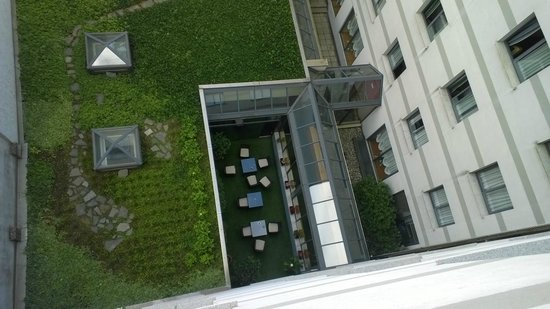 ADI Hotel Poliziano Fiera: The patio from the room (623)