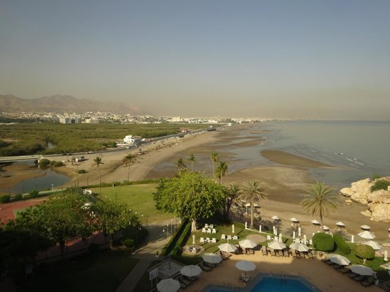 Crowne Plaza Muscat: view from seaside room