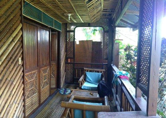 Frendz Resort and Hostel Boracay: веранда
