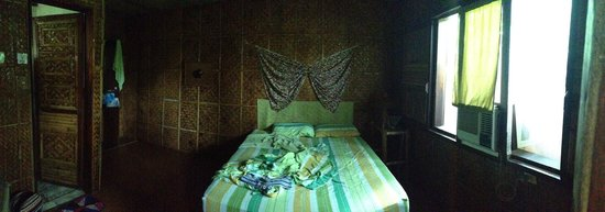 Frendz Resort and Hostel Boracay: кровать