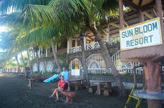 SunBloom Resort: SunBloom fronting the sea