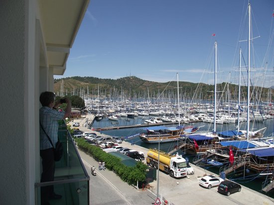 Alesta Yacht Hotel : View over marina from room