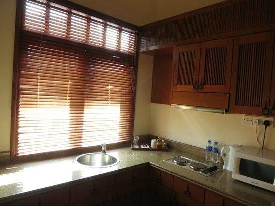 Langkawi Lagoon Resort: kitchen