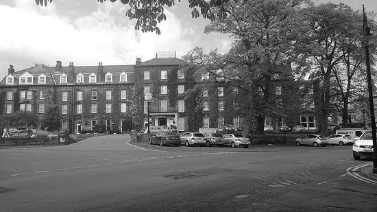 Old Swan Hotel: 2014 not 1964, in the May sunshine.
