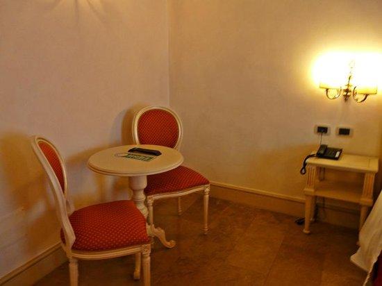 Hotel Cavour: Habitación deluxe