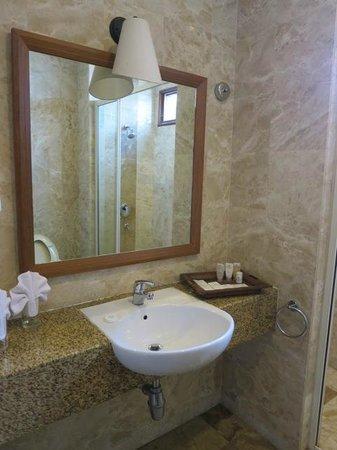 Langkawi Lagoon Resort: bathroom