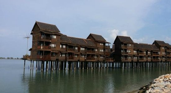 Langkawi Lagoon Beach Resort: sea villas