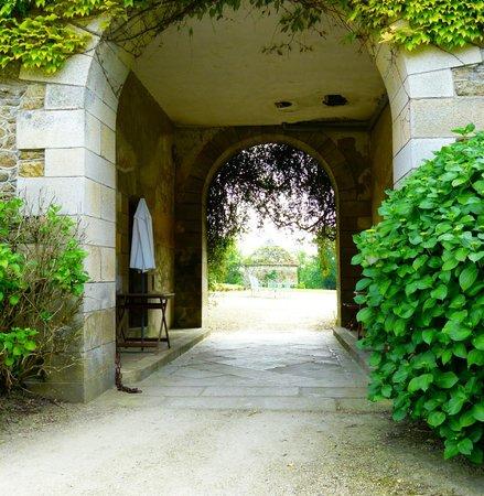 Chateau du Val d'Arguenon : l'entrée .....
