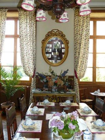Chateau du Val d'Arguenon : salle des petits déjeuners