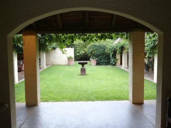 The Elephant House: An inner courtyard in the main buildings