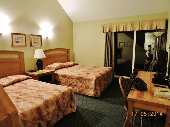 Fernie Stanford Resort: Inside view of room