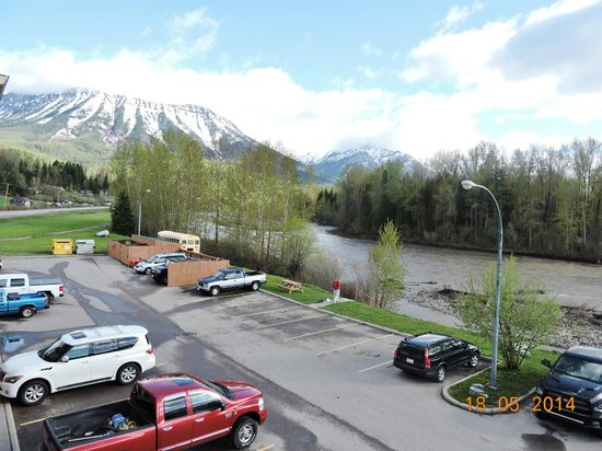 Fernie Stanford Waterslide Resort: View from Balcony of riverside top floor room