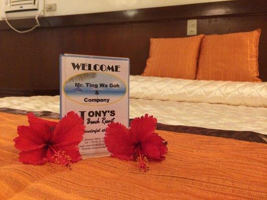 Jony's Beach Resort : Our room 102
