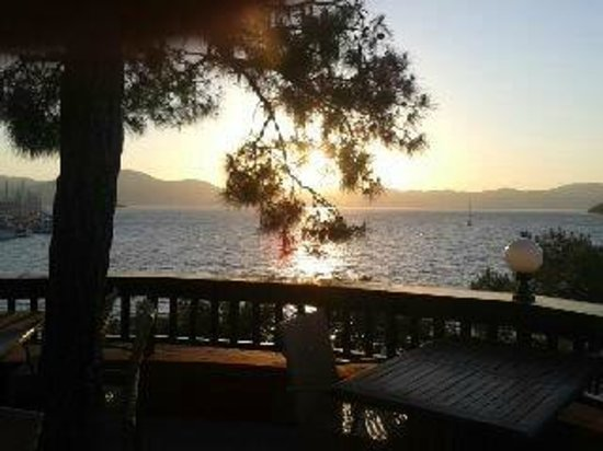 TUI Sensimar Marmaris Imperial Hotel : View from our table at dinner