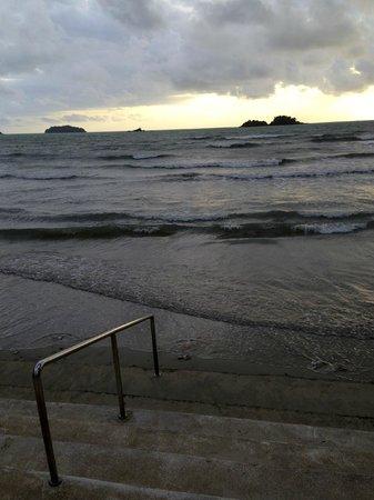 The Emerald Cove Koh Chang : Вечерний прилив...)))
