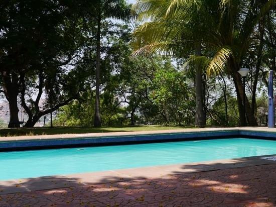 The Gateway Hotel Pasumalai Madurai : swimmingpool/garden