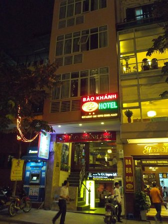 Bao Khanh Hotel: ホテル外観(下半分)