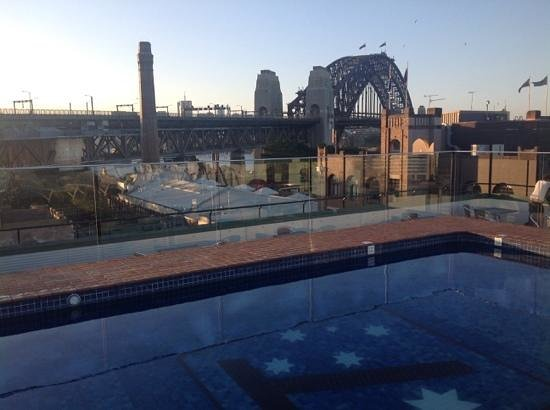 Holiday Inn Old Sydney : roof top pool