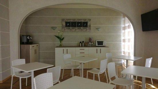 Hotel Lux: Sala colazioni