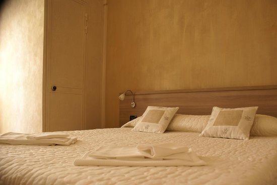 Hotel Lux: Camera Matrimoniale