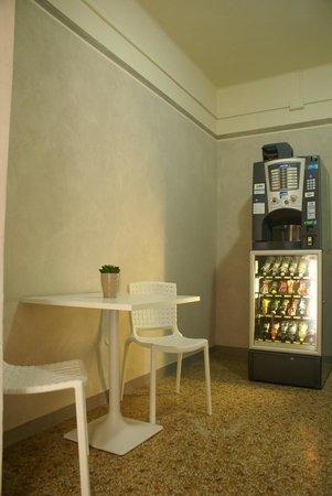 Hotel Lux: Area ristoro