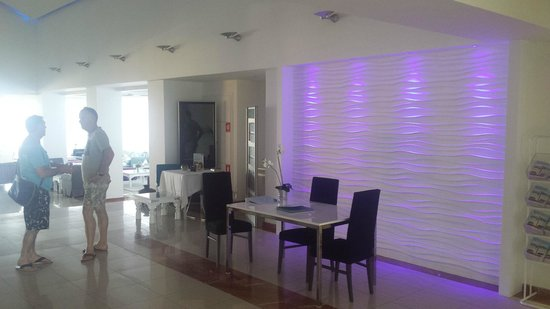 TUI SENSIMAR Sea Breeze by Atlantica: lobby