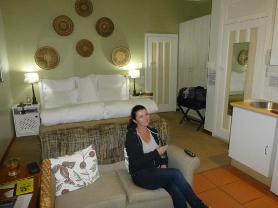 Liz at Lancaster Guesthouse: Suite with kitchen