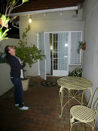 Liz at Lancaster Guesthouse: Private Courtyard