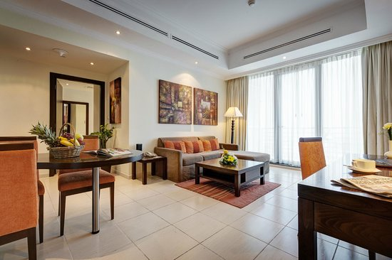 Abidos Hotel Apartment - Al Barsha : Deluxe Suite Living room
