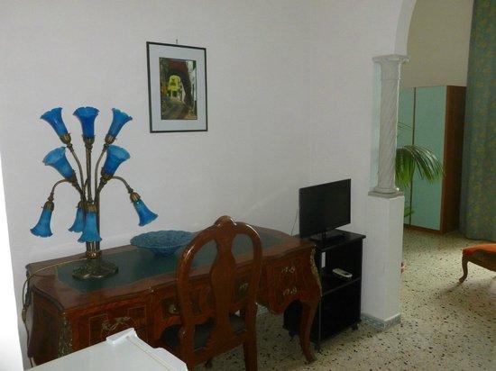 Hotel Fontana: Lounge area ?