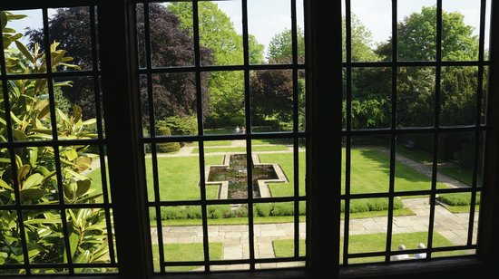 Goddards House and Garden: The view of the garden from the house.