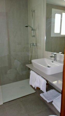 4R Salou Park Resort I: baño renovado.
