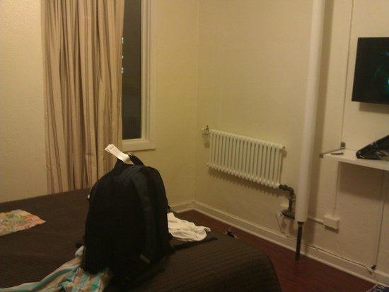 Stay on Main Hotel and Hostel: room