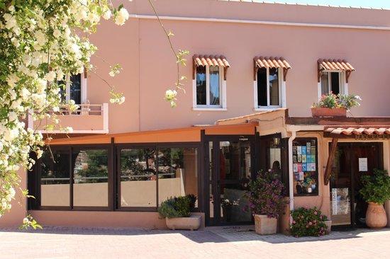 Hotel de France Maguy: Entrée de l'hotel