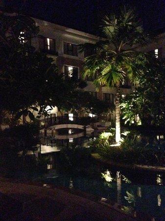 Grand Inna Kuta : Beach Wing Pool at night
