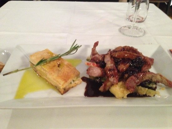 Public : pork sirloin served with fried vegetables in plum sauce