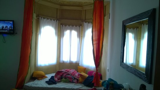 Hotel Lalgarh Fort & Palace: Room 2