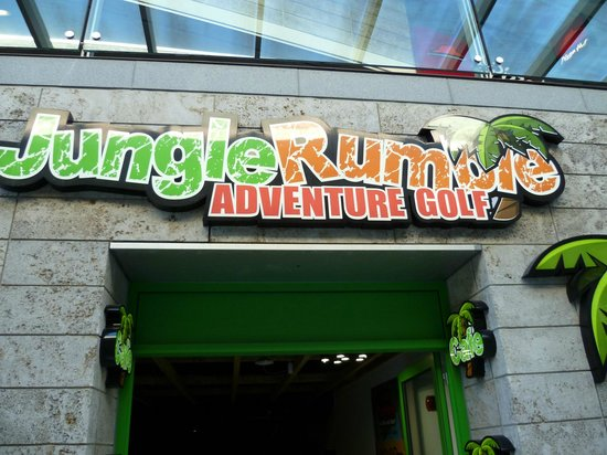 Jungle Rumble Adventure Golf: Main entrance off the ZIG ZAG Steps