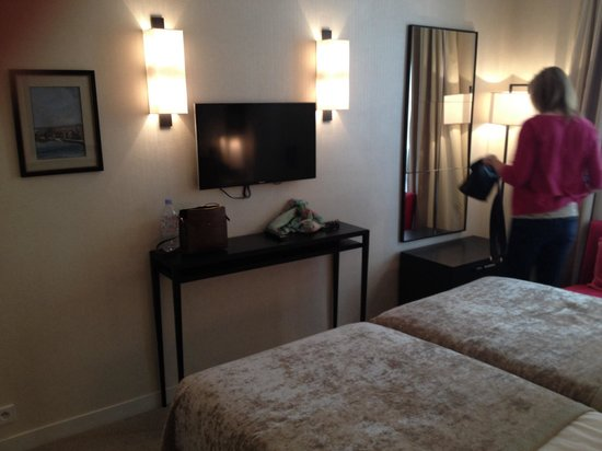 Balmoral Hotel : Bedroom