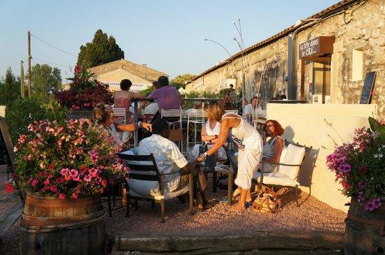 La Tête Dans le Cru : Terrasse au soleil....