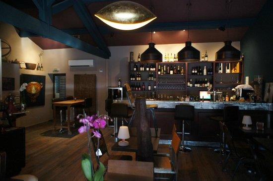 La Tête Dans le Cru : Le bar.....