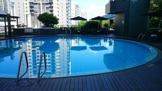 Village Hotel Katong by Far East Hospitality: Swimming pool