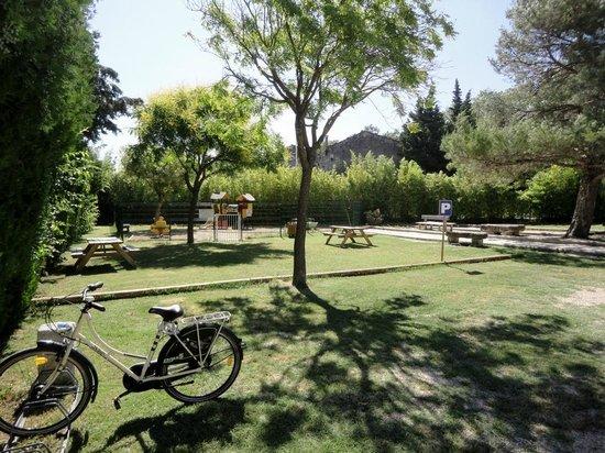 St remy de provence oude centrum picture of camping for Camping saint remy de provence avec piscine