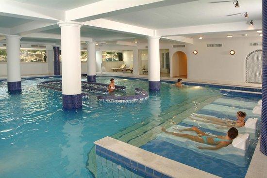 Aquamare Beach Hotel & Spa: Spa Pool
