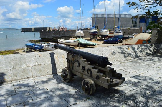 Portland Castle: Boatyard under attack!