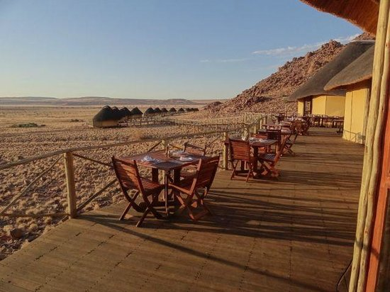 Sossus Dune Lodges: What a fabulous place to say your meals!