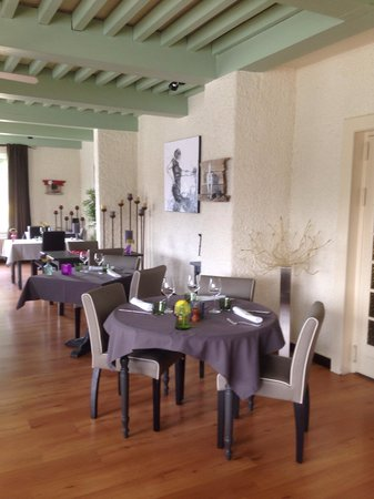 Hotel la Fontaine : Salle de restaurant / 2014