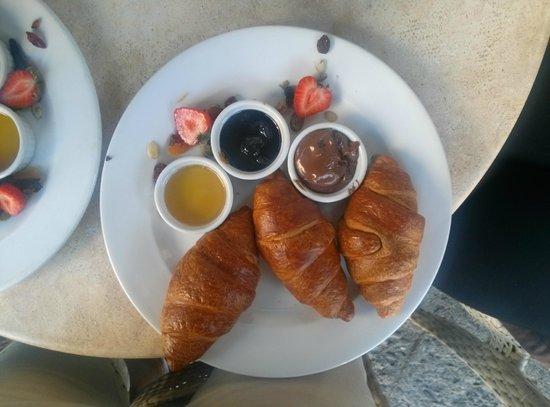Moment Resto Bar & Music: French Breakfast