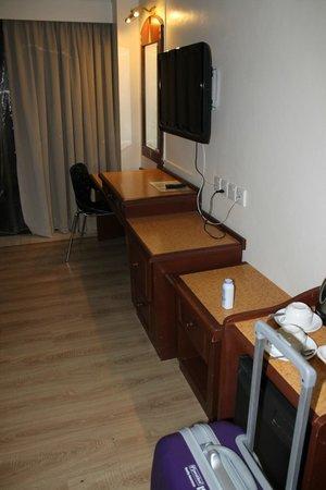 Casuarina Tanjung Aru Hotel: Deluxe Twin Room
